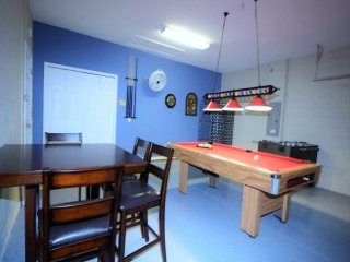 1219 6-Bedroom Pool Home, 3 Master Suites