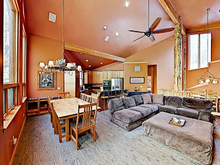 New Listing! Modern Ski Lodge Retreat w/ Hot Tub