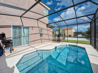 Close To Disney 4 bed Town Home With Private Pool!