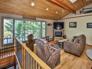 Twin Lakes Hideaway- Hiller Vacation Homes