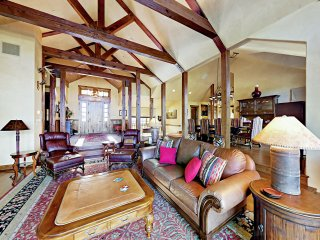 Luxe 4,700 Square Foot Retreat w/ Mountain Views