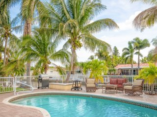 Gorgeous Canal Home w/ Private Pool & Dock