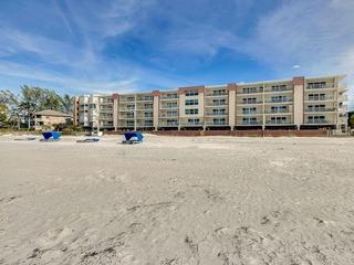 New Listing! Walkable Beachside Condo w/ Pool