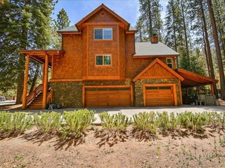 No. 50 Snow Summit Estate! Huge Lot and hot tub!