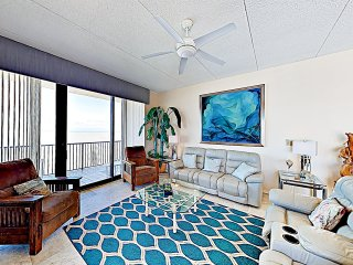 New Listing! Corner Gulf-View Penthouse w/ Pools