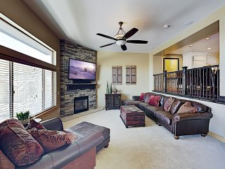 Bear Hollow Ski Retreat w/ Hot Tub- Near Canyons!