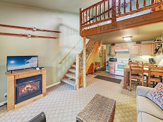 Choice Ski Haven w/ Pool & Hot Tub: Mins to Slopes