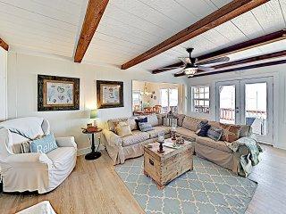 3-Unit Beach Home w/ Kayaks & Bayfront Deck!