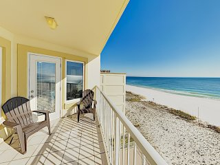 Walk Everywhere! Charming Gulf-View Condo w/ Pool