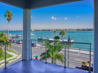 Pass-A-Grille Luxury Waterfront 612