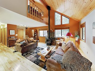 New Listing! Tahoe Donner Ski & Beach Retreat