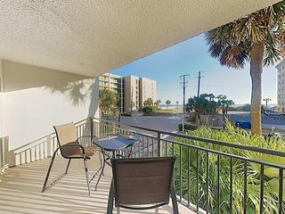 Emerald Isle Getaway w/ Gulf Views, Pool & Tennis