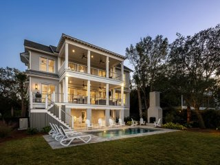 WATERFRONT /NEW HOME w/ DEEP WATER DOCK! Intracoastal Luxury