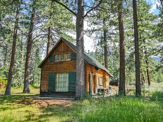 3901 Azure Avenue Cabin