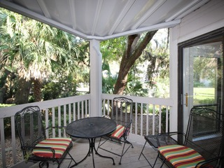Near Harbour Town in Sea Pines, Onsite Pool/Tennis
