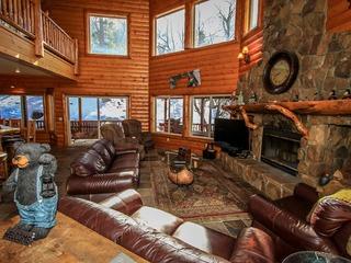 1591-Log Home Luxury