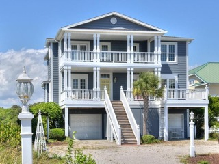 Living Large at Holden Beach
