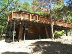 063 JB's Pinecone Lodge