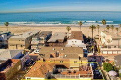 Roxy Beach House 3