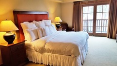 Lodge King Hotel Room 306