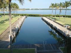 Waterfront Luxury Villa 42