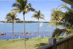 Waterfront Luxury Villa 59