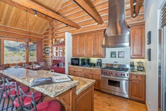 Gorgeous 3 Bedroom Home in Mountain Village with Ski Access
