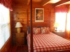 Honeysuckle Cabin 39