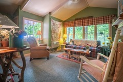 Theda Mae's Sunflower Suite
